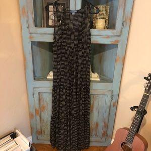 Anthropologie LiL size 4 maxi dress